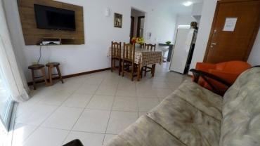 Apartamento 2 Dormitórios na praia de Bombas