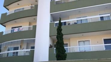COD A110 – Apartamento com 3 dormitórios na praia de Bombas