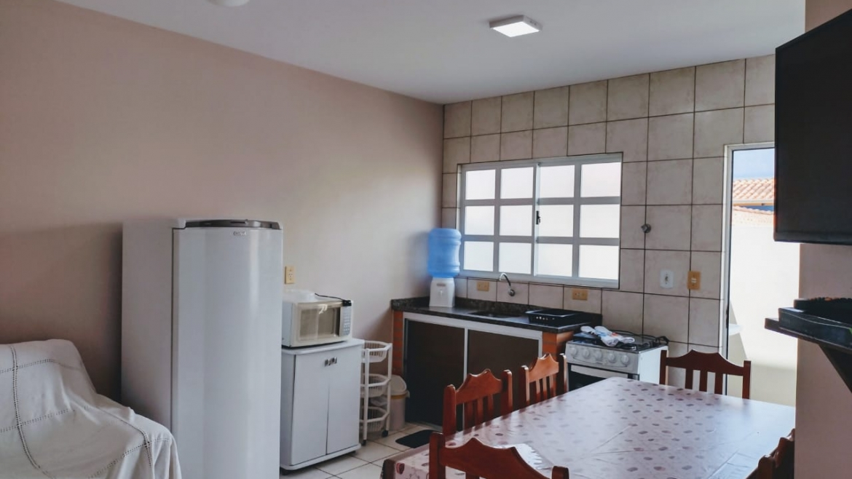 Apartamento 2 dormitórios em Bombas