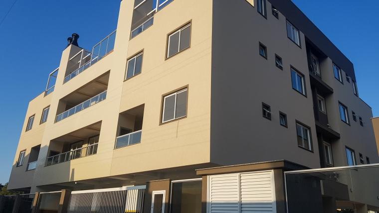 COD VA005 – Apartamento de 2 dormitórios, sendo 1 suíte no centro de Bombinhas
