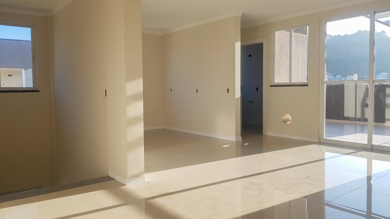COD VA006 – Cobertura Duplex com 3 suítes no centro de Bombinhas