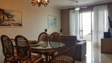 COD VA001 – Apartamento de 3 dormitórios em Bombas