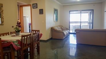 COD VA008 – Apartamento de 3 dormitórios, sendo 1 suíte bem localizado em Mariscal