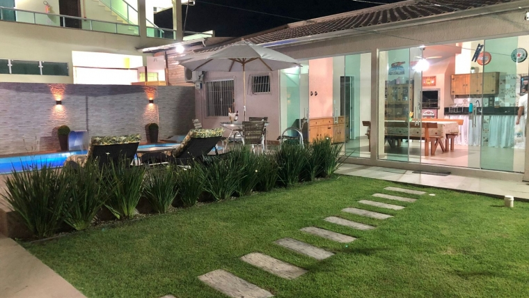 COD C012 – Excelente casa com 5 dormitórios e piscina privativa
