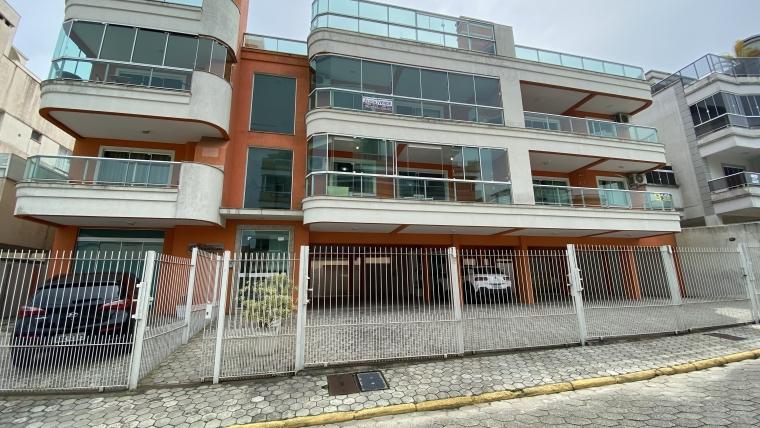 COD VA021 – Apartamento com 3 dormitórios sendo 1 suíte à venda em Bombas.