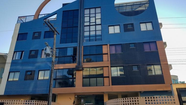 COD VA022 – Apartamento de 3 dormitórios sendo 1 suíte em Bombas.