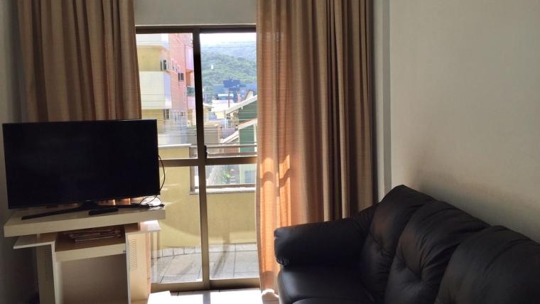 COD A064 – Apartamento com 2 dormitórios a poucos metros da praia de Bombas
